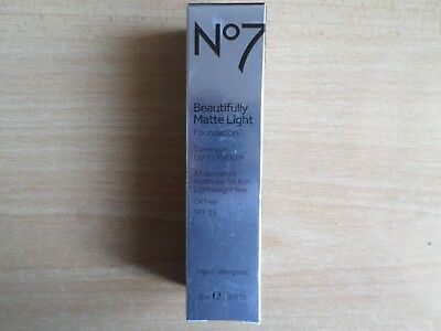 No7 BEAUTIFULLY MATTE LIGHT FOUNDATION OIL FREE SHADE: DEEPLY IVORY