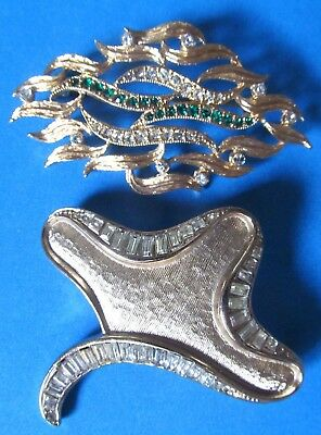 Modernist Vintage Brooches Decorated With Emerald Green and Clear Rhinestones