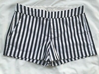 0968f8df49 Forever 21 Women S Striped Casual Flat Front Shorts Size Small