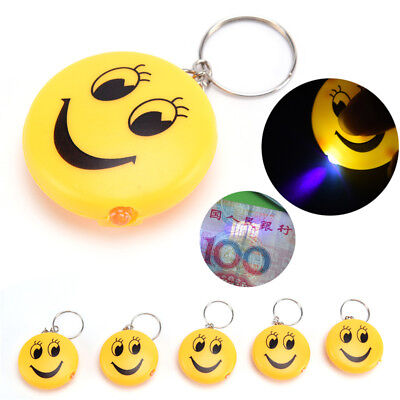 2x Cartoon Emoji Design Portachiavi a Led Con Sound Torcia Kid Maiale Portachi