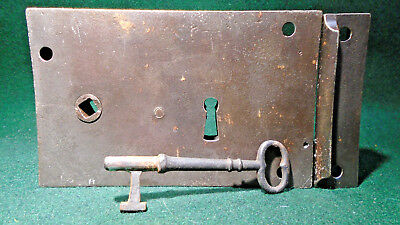 NICE RUSSELL & ERWIN CARPENTER STYLE  RIM LOCK with KEEPER & KEY  (13265)