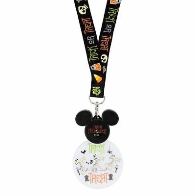 Disney Parks Animated 2018 Halloween Mickey Light-up Glow Lanyard Mummy Goofy