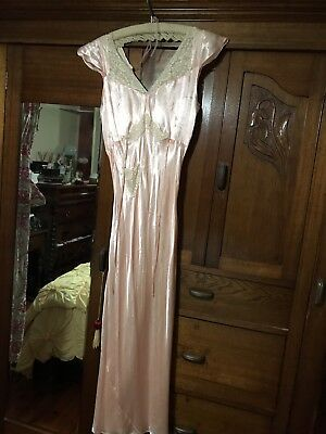 1930's SATIN/RAYON ECRU FRENCH LACE TRIM LONG BIAS CUT NIGHTGOWN ~ GORGEOUS S/M
