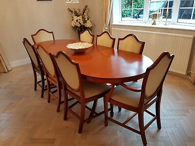 Large Antique Style Mahogany Extending Dining Table and 8 Chairs