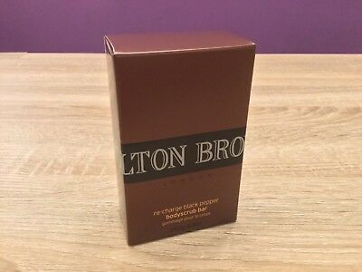 Molton Brown 250g Re-Charge Black Pepper Bodyscrub Bar. Cleanse, Exfoliate.