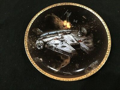 """Star Wars Space Vehicles Millennium Falcon Limited Edition 8"""" Collector's Plate"""