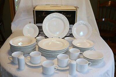 New Traditions D08/M51242 Sears China 42 Pc Boxed Set Serv 8 + Salt & Pepper