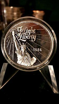 1986 Light Of Liberty Free The Eagle 1 Oz .999 Fine Silver Art Round