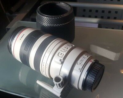 Canon EF 100-400mm f/4.5 - 5.6L IS USM Lens - EXCELLENT CONDITION - HARDLY USED