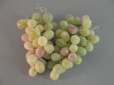 Fake Faux Artificial Life-Like Display Decorative Rubber Green Red Grape Lot 2