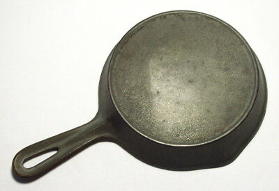 Vintage Cast Iron Small SKILLET w/Bottom Outer Ring (#3)