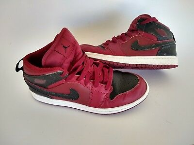 best website 3a616 8b61a Boys Red And Black Air Jordans Size 3Y