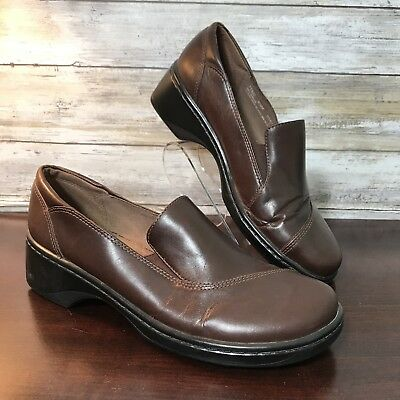 CLARKS WOMENS 8.5 Slip Ons Loafers Brown Leather Shoes 71322