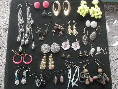 Joblot of Vintage/Retro Clip on, Hooks, Stud Earrings 20 Pairs - L12