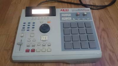 AKAI professional MPC2000XL sampler music rare