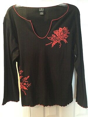 INC 1X Black cotton top with red rose design,red scallop edging on sleeve/bottom