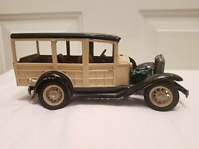 VINTAGE METAL TRUCK scale models dyersville iowa made in usa Missing