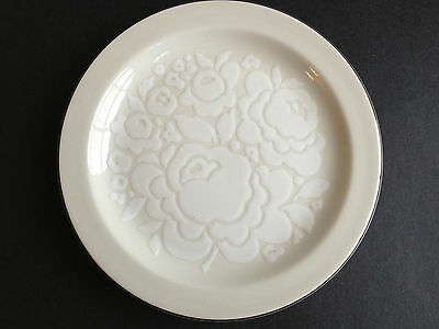 Midwinter Stonehenge Winter Pattern 2 Ivory Floral Relief Dinner Plates