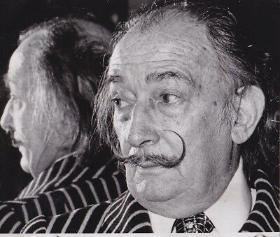 SALVADOR DALI Reflected in a Mirror * VINTAGE Iconic CLASSIC Rare 1974 photo