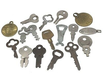 LOT OF ANTIQUE & VINTAGE KEYS ASSORTED Fobs Rabies Tag Steampunk