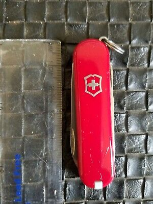 Victorinox Swiss Army Knife- Classic SD -Red- GOOD SHAPE #181
