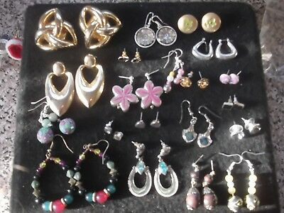 Joblot of Vintage/Retro Clip on, Hooks, Stud Earrings 20 Pairs - M35