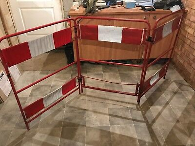 Contractor - Workman Safety Barriers - Pedestrian Workgate 3-Gate Barrier Red