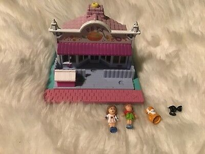 Vintage Polly Pocket Pet Store Playhouse With 2 Dolls And 2 Pets, A Dog And Cat.