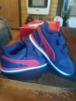 bd1bdd5c8f4f8 Todler Boys or Girls Puma St Runner Nl V Inf Peacoat Ribvon Red Sneakers  Size 8c