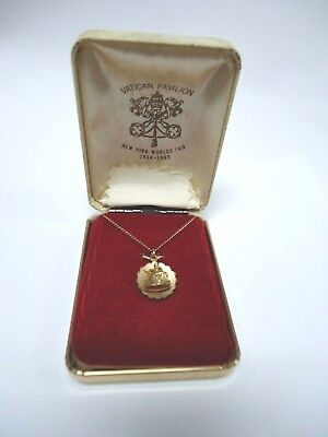 Vintage 1964-1965 New York World's Fair 14k Gold Vatican Pavilion Necklace