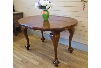 Stunning Victorian Antique Vintage Ball & Claw Foot Dining Extending Table
