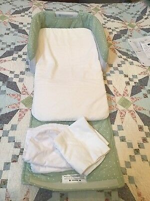 Baby Delight Snuggle Nest Green & White 3 Sheets Light Works Travel Bed Co Sleep