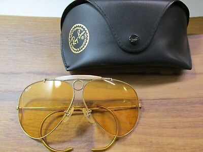 b754fe36ea2 VINTAGE BAUSCH   Lomb RAY-BAN SUNGLASSES Women s GOLD color -  55.00 ...