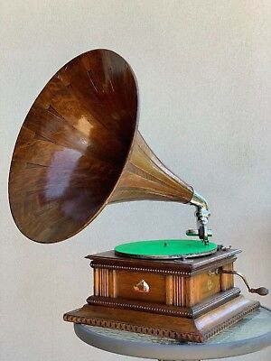 HMV Senior Monarch HMV Gramophone / Phonograph with Original Spear Tip Oak Horn