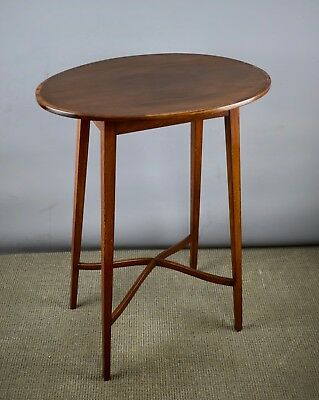 Edwardian Mahogany Oval Occasional / Side Table with cross-banded top