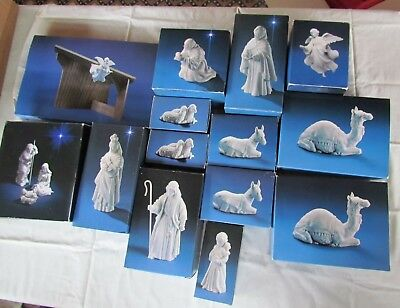 Vintage Avon Nativity Collectibles 16 Pc Set Porcelain, w/Stable & Flying Angel