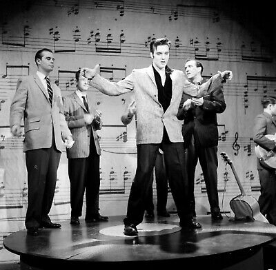 Toast of the Town NEW IMAGE!!! N566 Elvis Presley UNSIGNED photograph