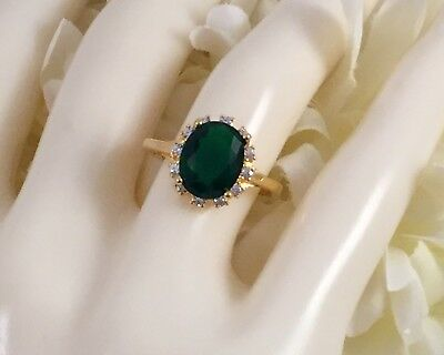 Vintage Jewellery Gold Ring with Emerald and White Sapphires Antique Jewelry