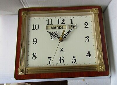 Neat 60's Battery Wall Clock from JAZ with Month and month - Not working
