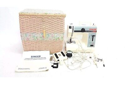SINGER Featherweight + Compact Free Arm Sewing Machine Mod.324 #K-95510 - BC501