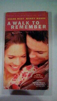 2002 VHS A Walk to Remember starring Mandy Moore