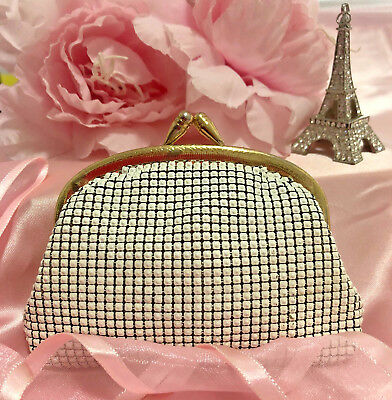 Stunning Vintage Ladies White Mesh Purse in Fabulous Condition. Don't miss out!