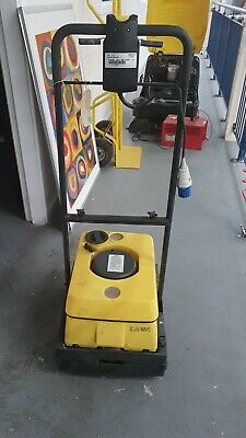 KARCHER BR400  BATTERY SCRUBBER / DRYER Includes Battery Charger