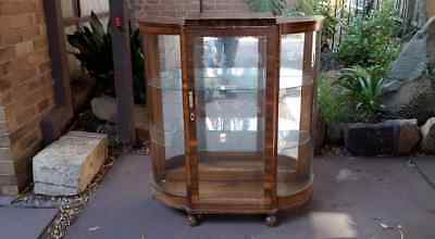 Curved Glass Display China Cabinet - Vintage Art - Deco original condition