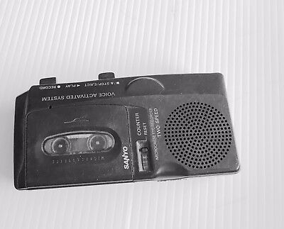 Sanyo M-5699 Two Speed Micro Cassette Tape Recorder w/ Voice Activated Recording