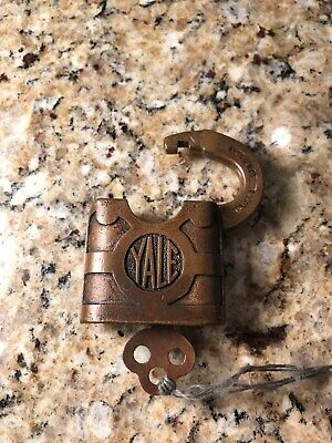 Antique Yale & Towne Padlock Y&T MFC Co Stanford Conn. USA with working key