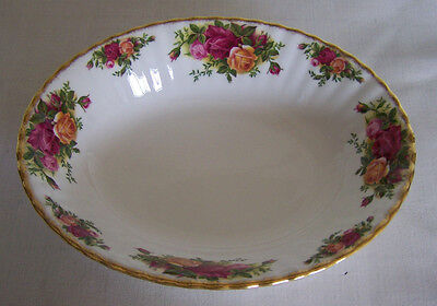 """Royal Albert Old Country Roses 9"""" Oval Serving Bowl"""