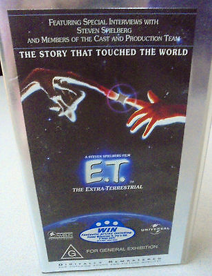 E.T The Extra Terrestrial  ET VHS VIDEO Tape  PAL includes interviews of Cast