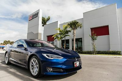 2018 Tesla Model S 100D 2018 MODEL S 100D - ULTRA WHITE PREMIUM INTERIOR AND LIGHTING PACKAGES