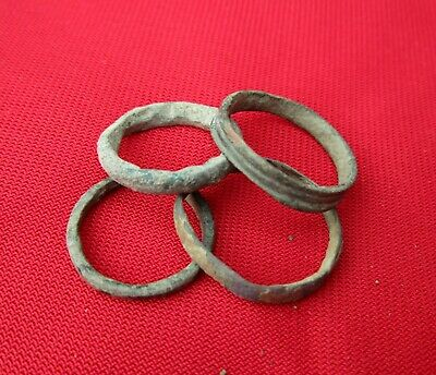 Ancient Roman wedding ring's Lot with 4 pieces . bronze . No.22